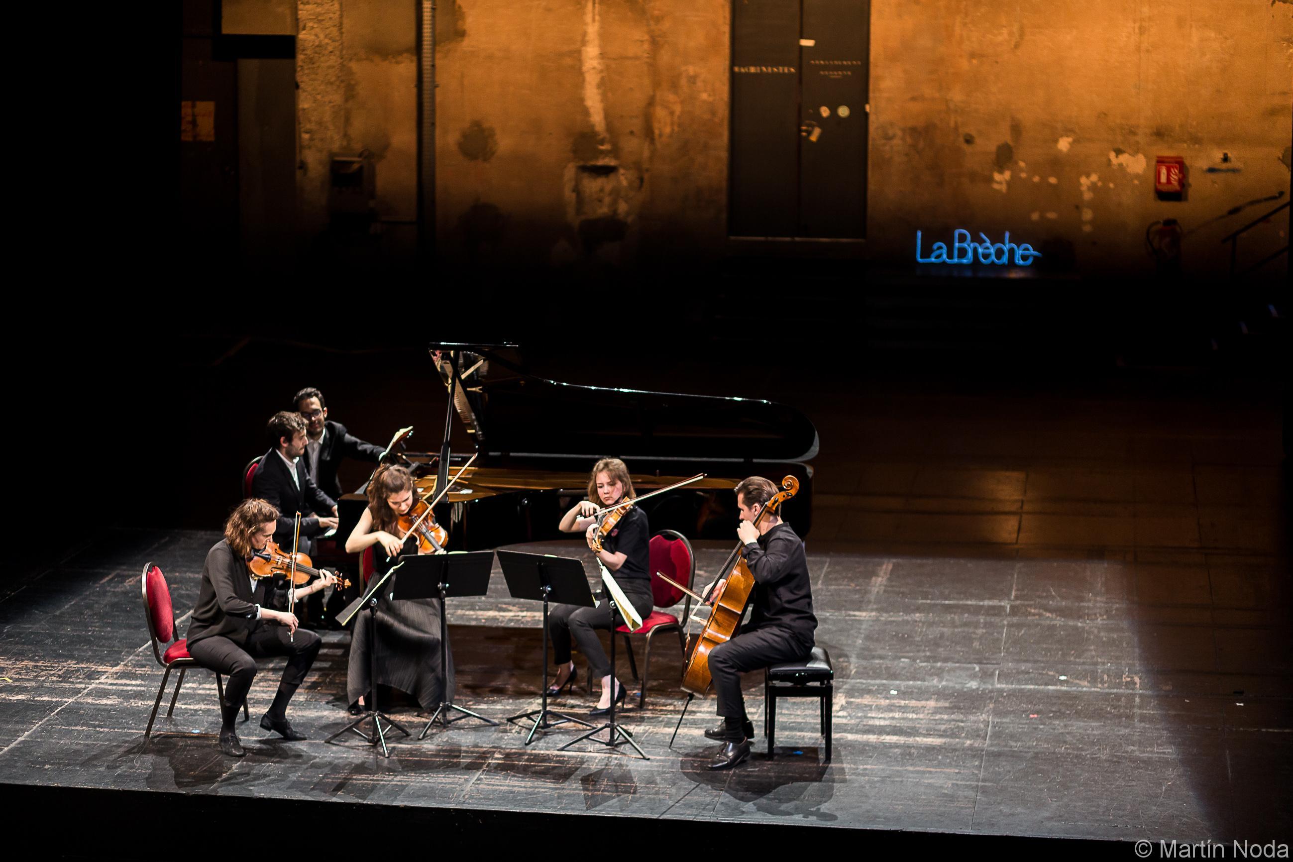 Romain Louveau, Fiona Monbet, Hélène Maréchaux, Léa Hennino et Gauthier Broutin