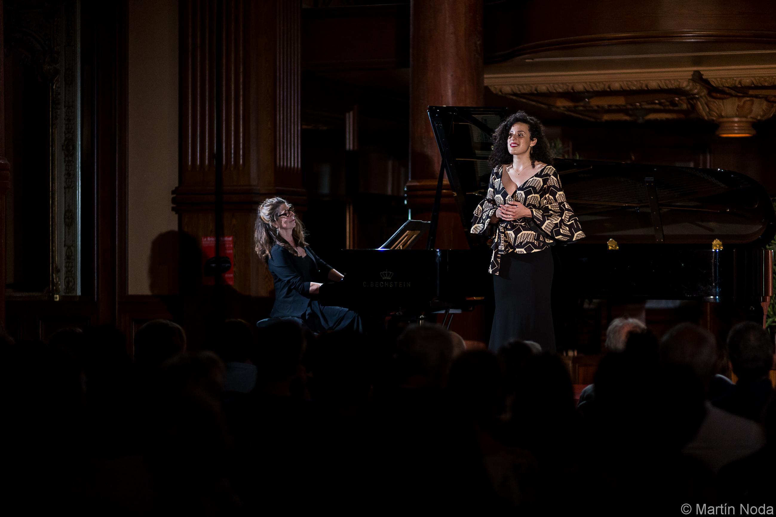 Susan Manoff et Adèle Charvet
