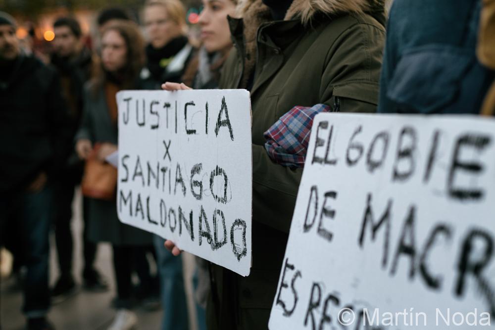 Paris - 01/11/2017 - Rassemblement contre la disparition de Santiago Maldonado en Argentine