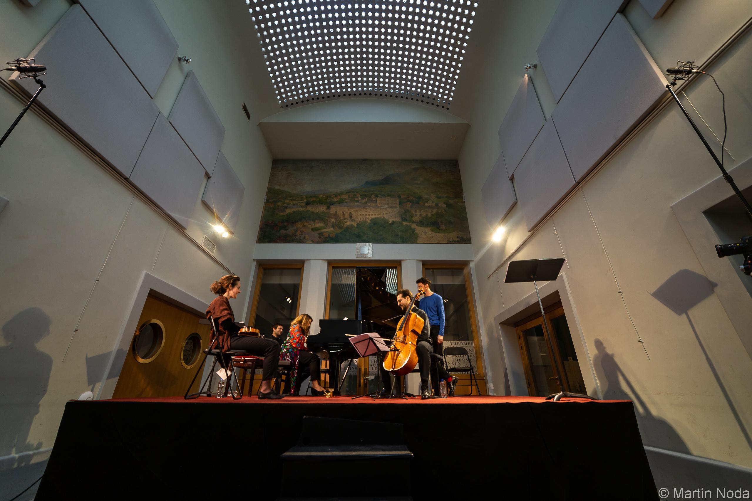 Susan Manoff, Fiona Monbet, Gauthier Broutin et Anoine Thiollier