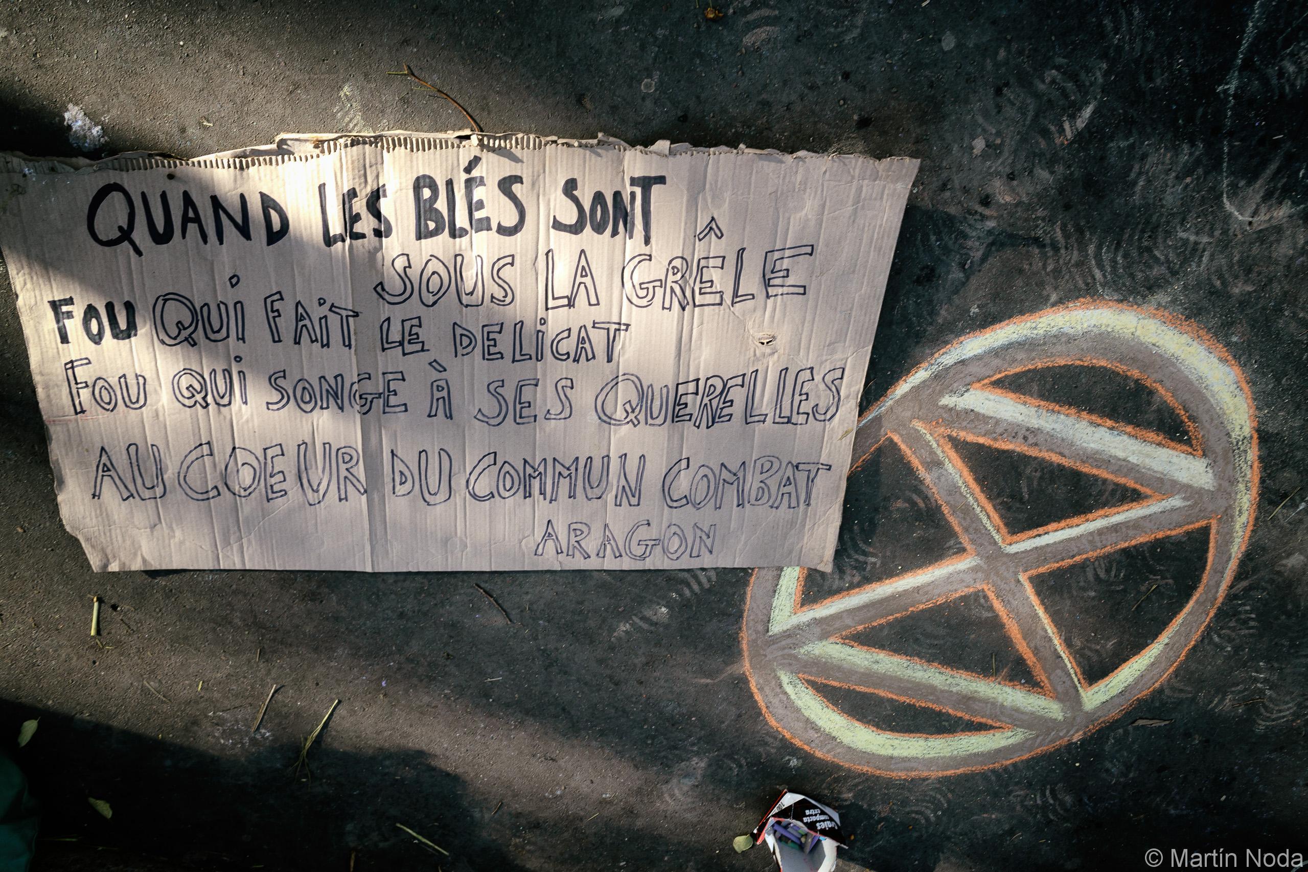 Blocage de la place du châtelet par les militants d'Extinction Rébellion. 11/10/2019